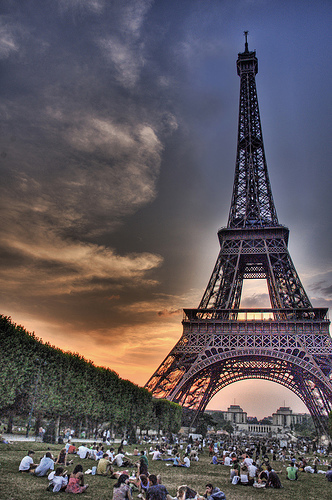 Eiffel Tower Picnic
