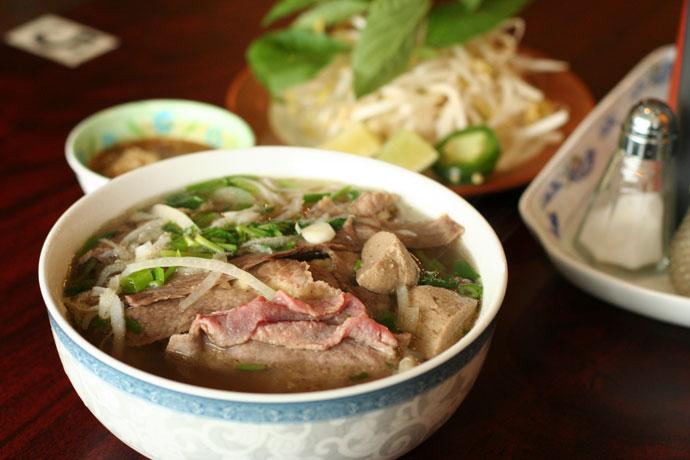 benz-noodle-restaurant-3