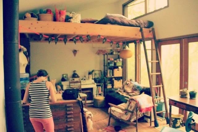 Bowerbirds' Art Studio